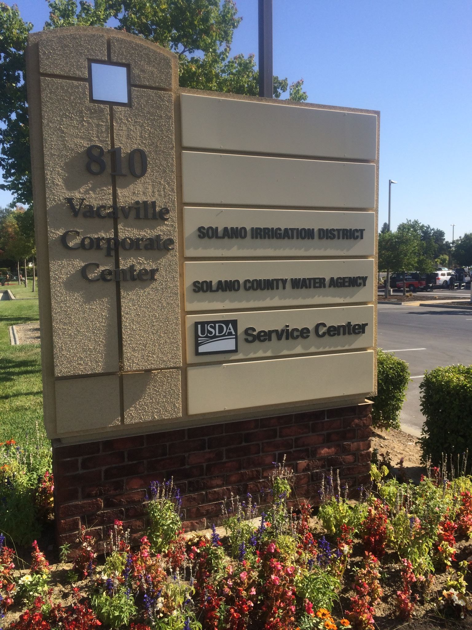 810 Vacaville Corporate Center sign